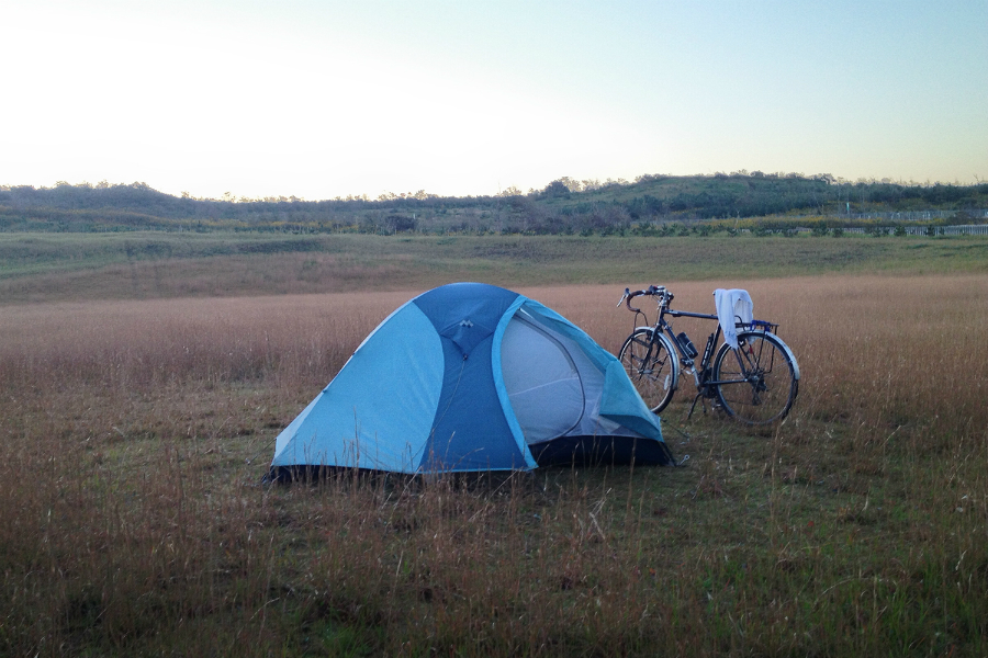 自転車とテント