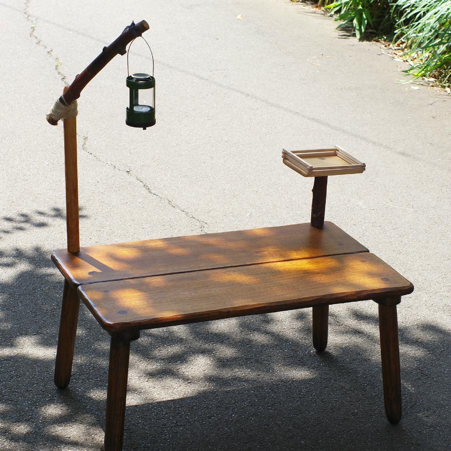 森小屋のテーブル